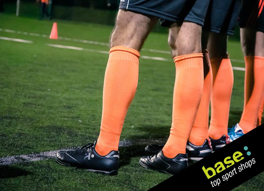 Cómo Ponerse Las Medias De Fútbol Correctamente Según El Reglamento Movimiento Base